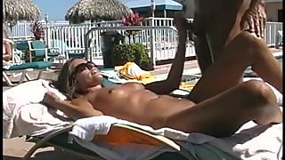 Blowjob and fuck in public pool