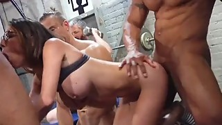 dava cuckold her husband in the gym