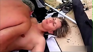 Amateur Mature Housewife Dogging at the beach