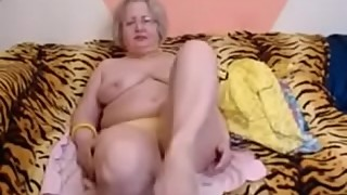 Granny stripping on Webcam