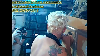 Cuckhold webcam show my old lady takes pics while another blond sucksme :)